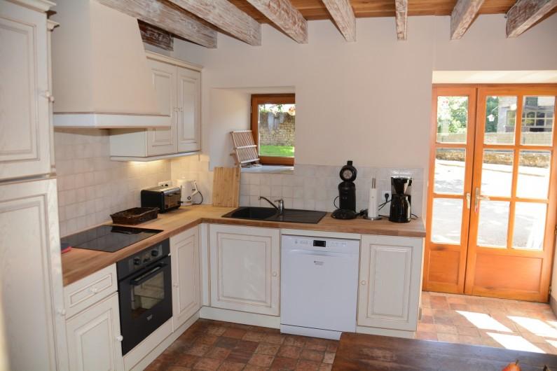 Location de vacances - Gîte à Ambazac - la cuisine est grande et tout équipée