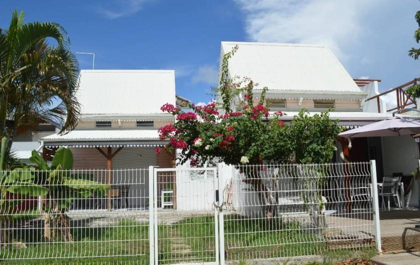 Location de vacances - Maison - Villa à Sainte-Anne - A gauche Mandarine, a droite Océane.