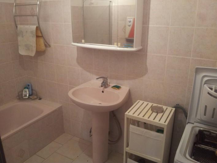 Location de vacances - Appartement à Sanary-sur-Mer - salle de bain