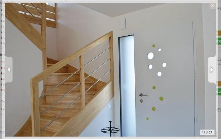 Location de vacances - Villa à Plouguerneau - Les escaliers et la porte d'entrée