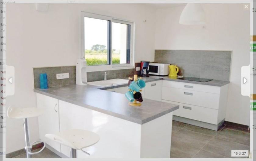 Location de vacances - Villa à Plouguerneau - La cuisine équipée (autre vue)