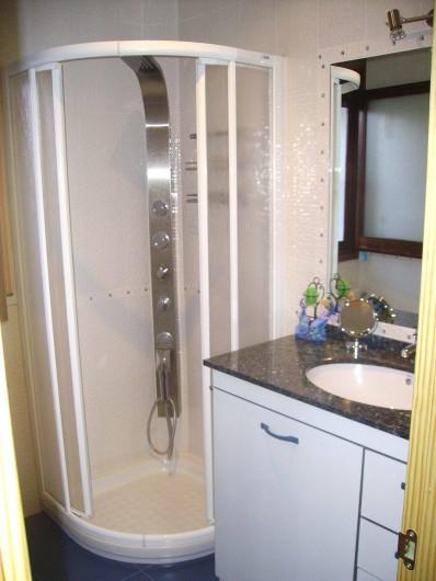 Location de vacances - Villa à L'Ametlla de Mar - Salle de bain et toilette