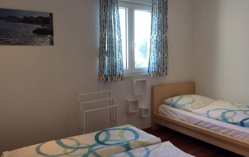 Location de vacances - Appartement à Brela - La chambre Est, 3 personnes.
