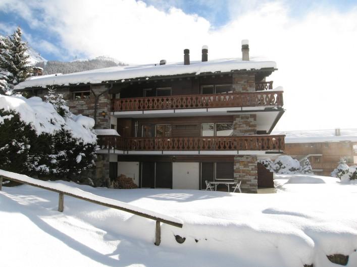 Location de vacances - Appartement à Verbier - Vue latérale , appartement au 1er balcon