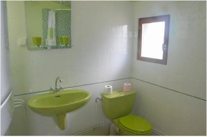 Location de vacances - Maison - Villa à Savigny-Poil-Fol - salle d'eau douche rez de chaussée
