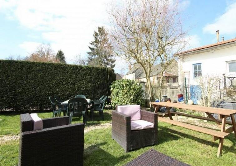 Location de vacances - Gîte à Turcey - Jardin commun