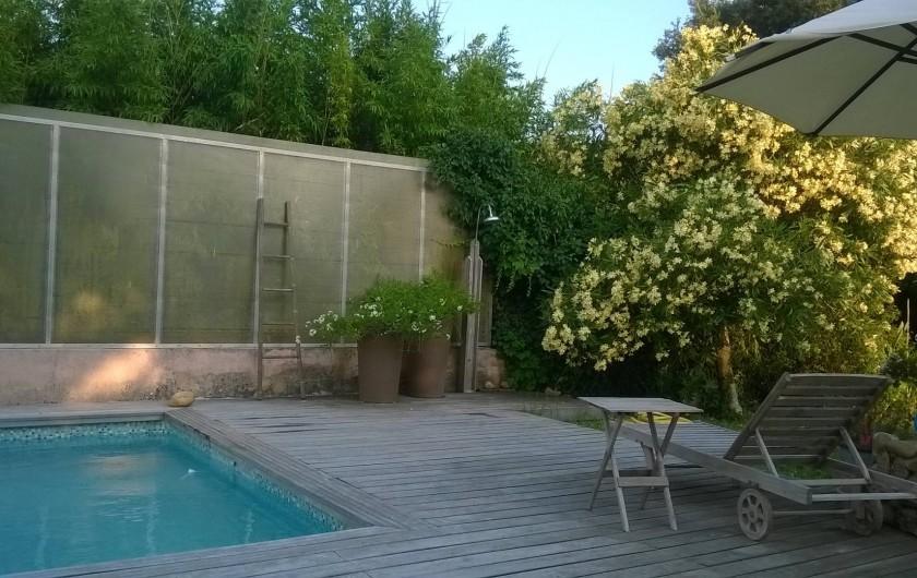 Location de vacances - Studio à Saint-Aygulf - Piscine et ses accessoires