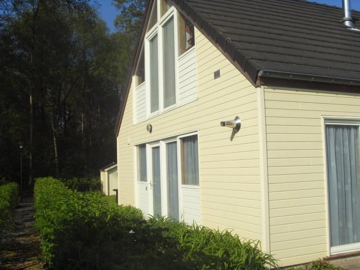 Location de vacances - Bungalow - Mobilhome à Froidchapelle - entrée du bungalow