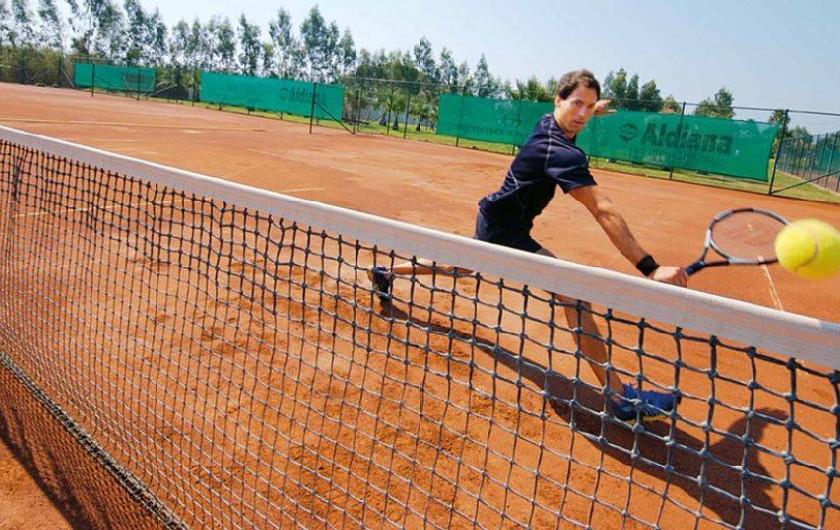 Location de vacances - Bungalow - Mobilhome à Froidchapelle - terrain de tennis
