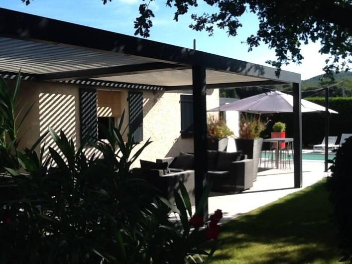 Location de vacances - Villa à Velleron - Jardin clos