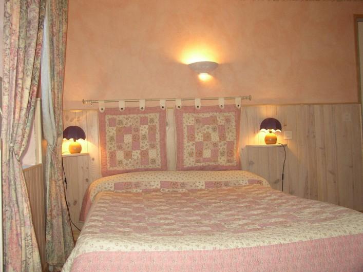 Location de vacances - Gîte à Méolans-Revel - Chambre  familiale Les terres blanches