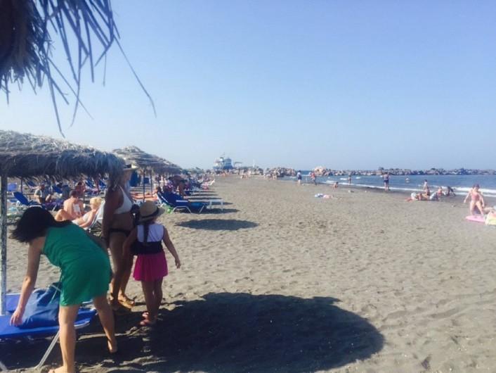 Location de vacances - Appartement à Mesaria - Monolithos Beach, l'unique plage de sable fin de l'île à 10 min.