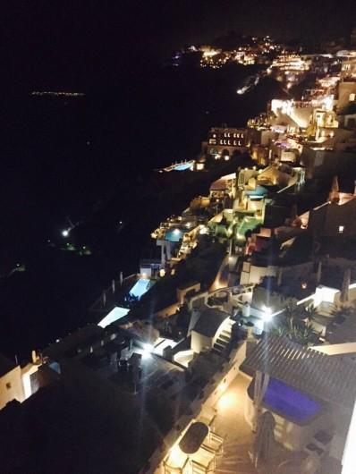 Location de vacances - Appartement à Mesaria - Terrasse de bar à Fira!Le meilleur vue des Cyclades. Inoubliable!!