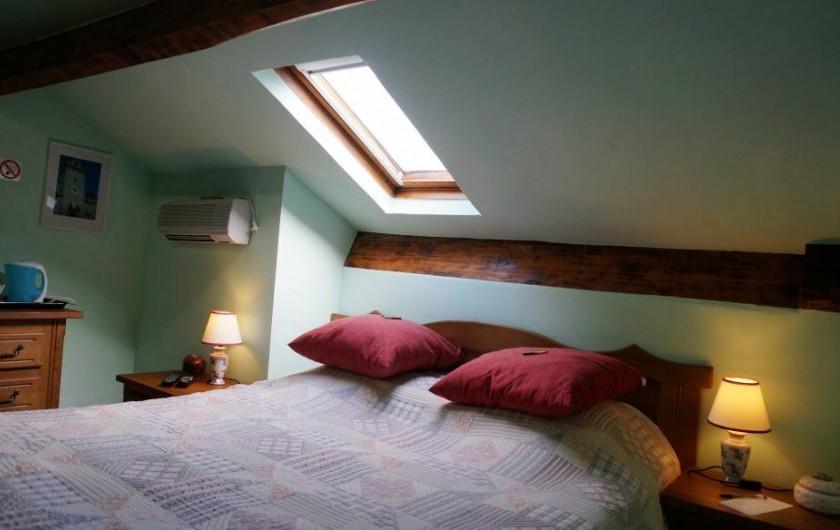 Location de vacances - Chambre d'hôtes à Trivières - CHAMBRE BERGAME AUTRE ANGLE