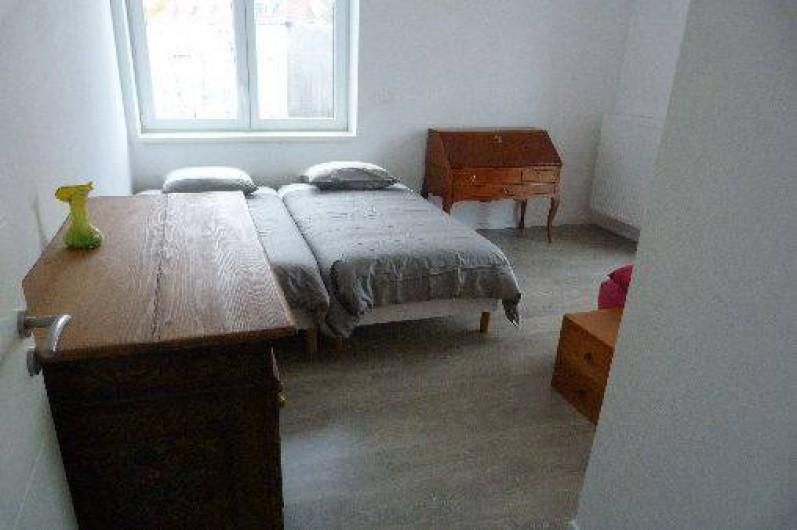 chambres d 39 h te dans belle r sidence strasbourg proximit parcs du contades et de l. Black Bedroom Furniture Sets. Home Design Ideas