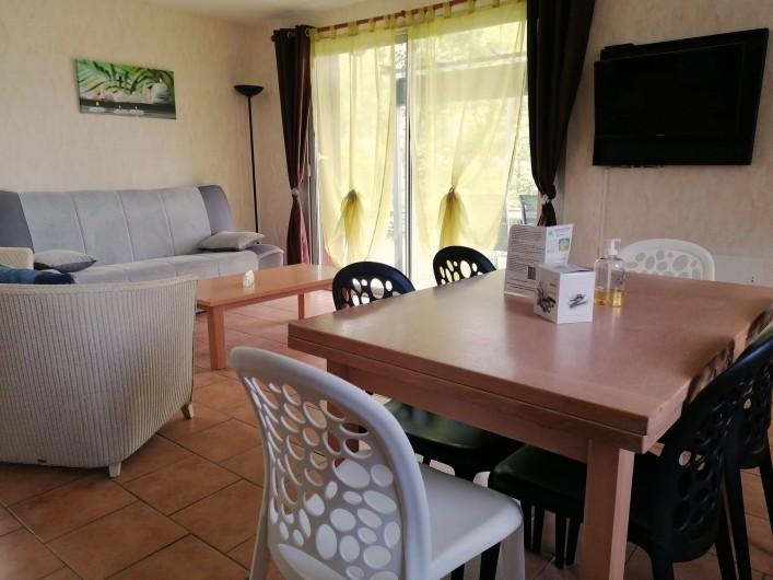 Location de vacances - Gîte à Valette - Pièce de vie du gite le Sumène