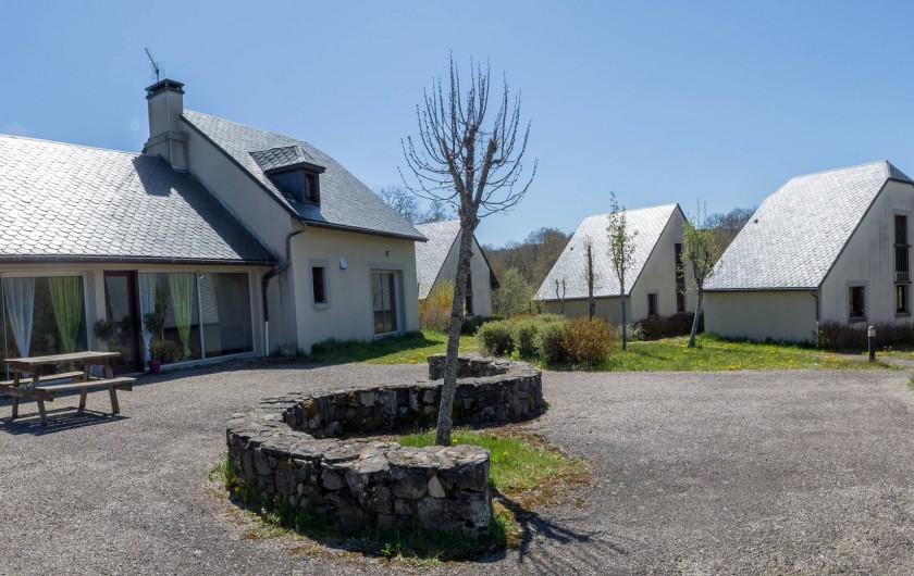 Location de vacances - Gîte à Valette - Le village de gîte Cantal Emotions