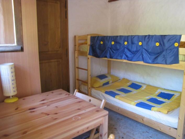Location de vacances - Chalet à Olmeto - Chambre enfants