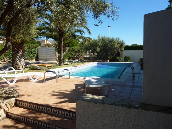 Location de vacances - Villa à L'Ametlla de Mar - entrée:jardin:piscine: