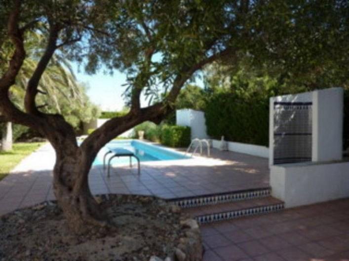 Location de vacances - Villa à L'Ametlla de Mar - jardin/piscine: douche andalouse à l'extèrieur