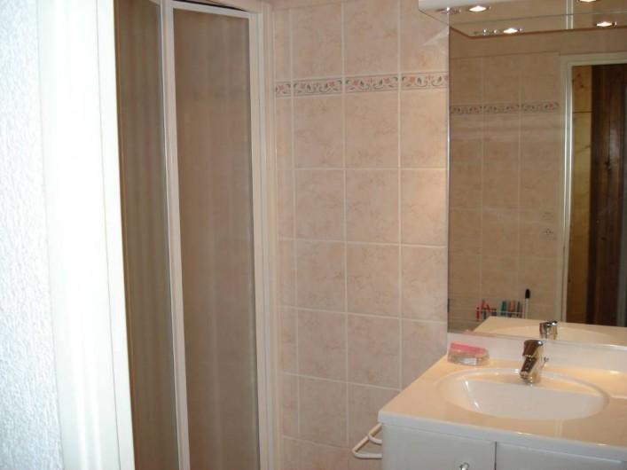 Location de vacances - Appartement à Le Lavachet - Salle d'eau avec douche