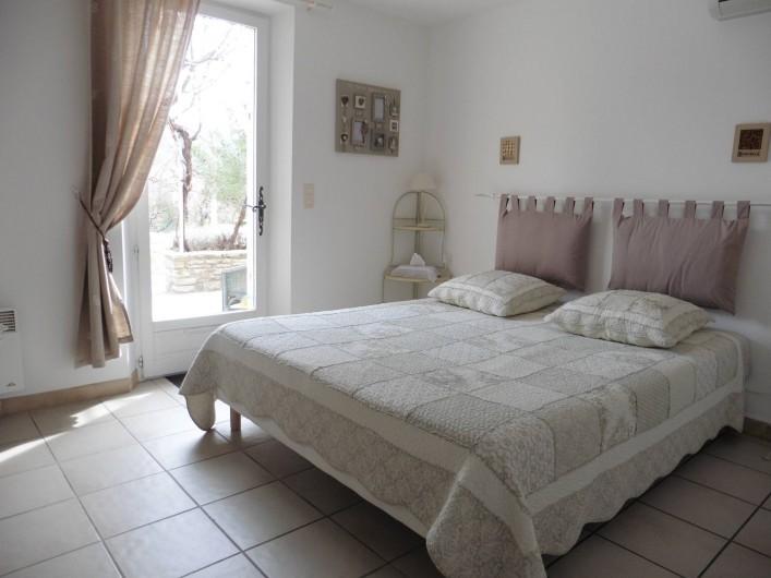 Location de vacances - Chambre d'hôtes à Entrechaux - Chambre Garrigue.