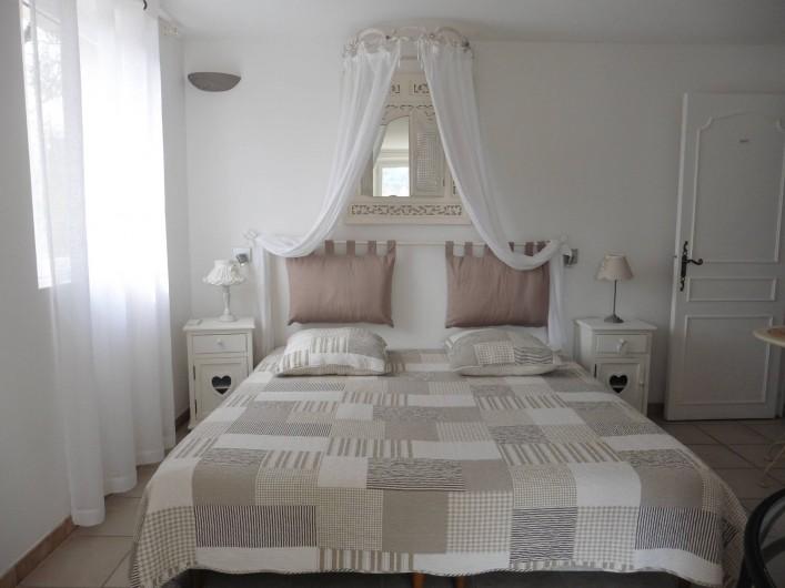Location de vacances - Chambre d'hôtes à Entrechaux - Chambre Soleillade.
