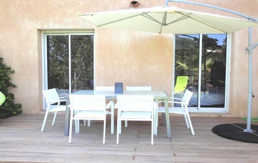Location de vacances - Villa à Porticcio - TERRASSE  CHAMBRES ET BBQ