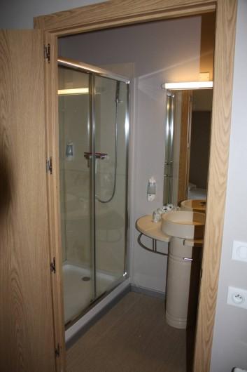 Location de vacances - Studio à Picherande - Salle de bain T1 ou T1+