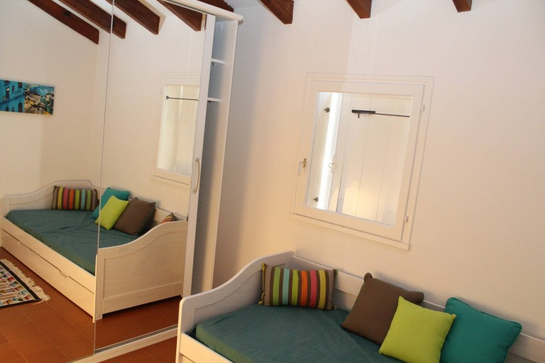 Location de vacances - Chambre d'hôtes à Porticcio - Chambre 5 enfants sur façade arrière