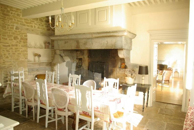 Location de vacances - Chalet à Scey-Maisières - cheminee  decorative de la salle a manger