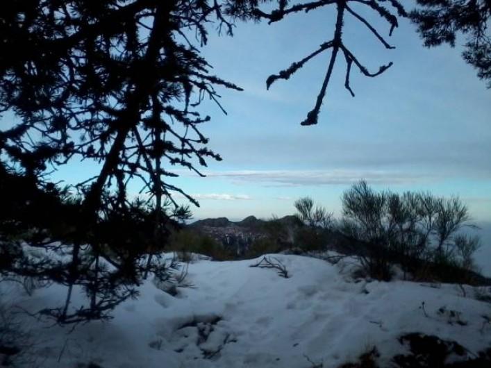Location de vacances - Chambre d'hôtes à Pélussin - les crêtes sous la neige