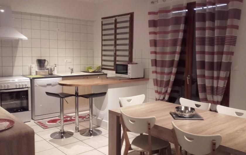 Location de vacances - Appartement à Loisy-sur-Marne - cuisine et coin repas