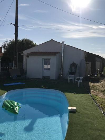 Location de vacances - Chalet à Talmont-Saint-Hilaire - La piscine et son local technique