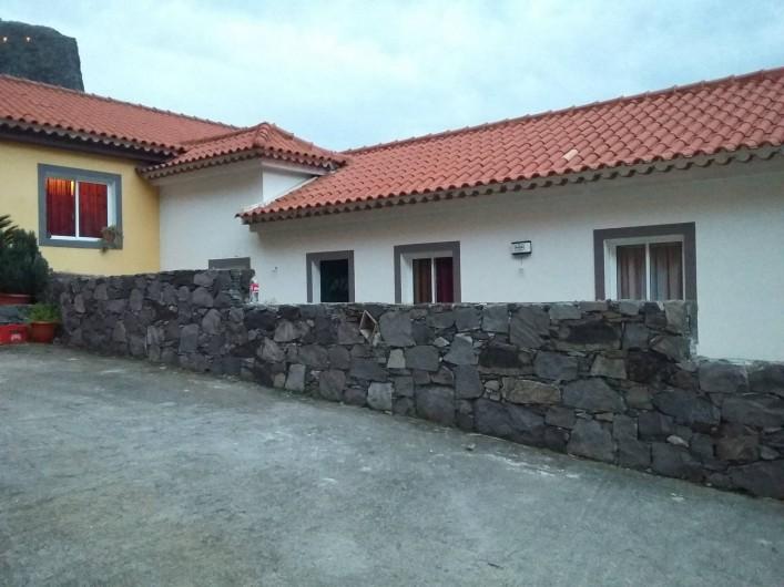 Location de vacances - Villa à Curral Das Freiras - Maison vue de jour