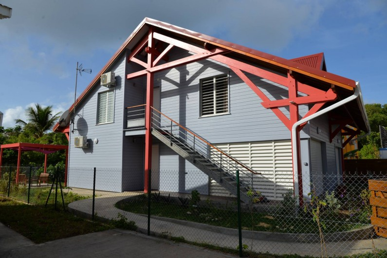 Location de vacances - Appartement à Sainte-Anne - vue de coté