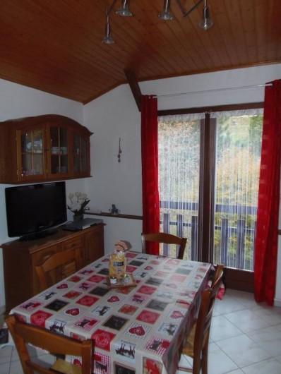 Location de vacances - Appartement à Bussang - balcon Séjour
