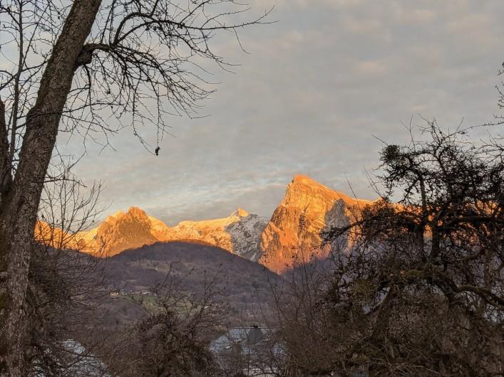 Location de vacances - Chalet à Morillon - Vue panoramique depuis la cuisine