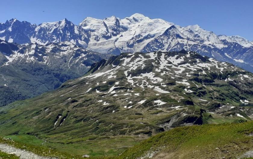 Location de vacances - Chalet à Morillon - Nombreuses randonnées    (vue imprenable sur le Mont Blanc);