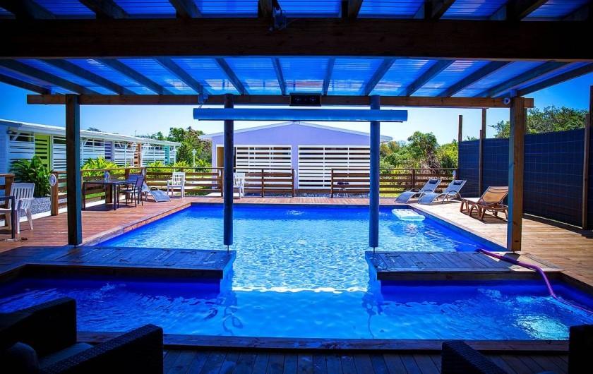 Location de vacances - Gîte à Saint-François - Gîtes la simoniere : piscine