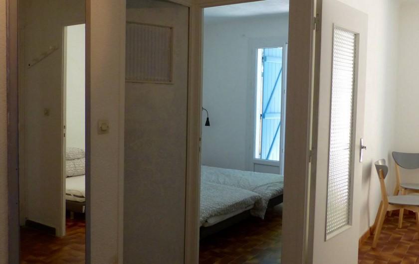 Location de vacances - Maison - Villa à Les Mayons - Hall + entrée chambre 2