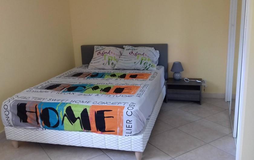 Location de vacances - Appartement à Sainte-Rose - Chambre avec lit double