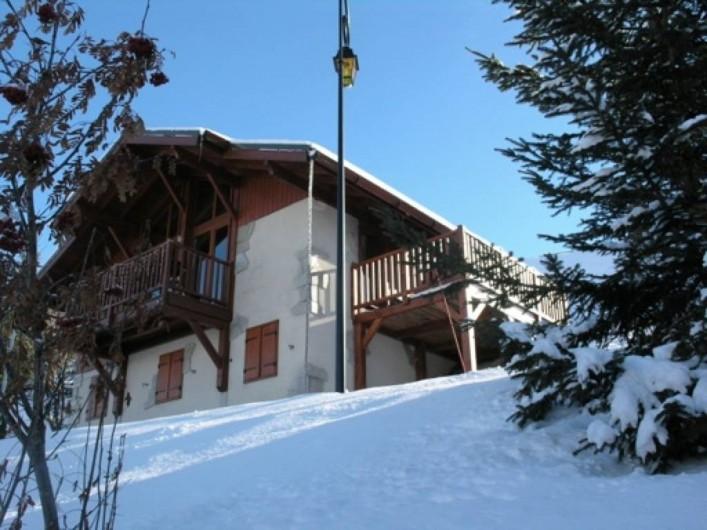 Location de vacances - Chalet à Montalbert - Terasse ensoleillé