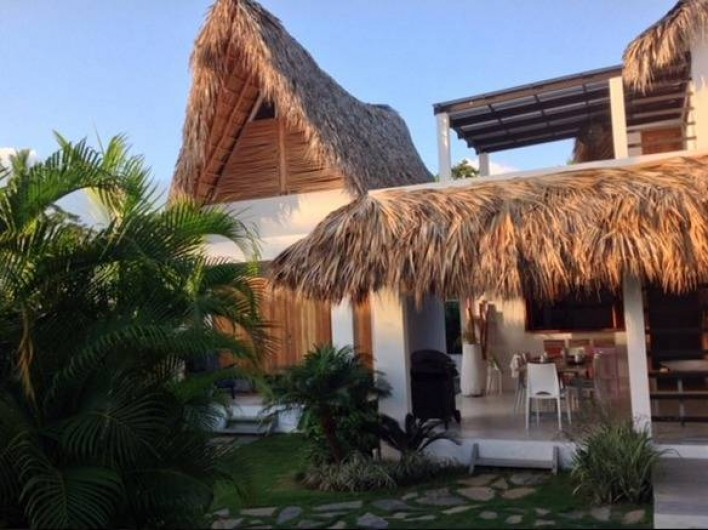 Location de vacances - Villa à Las Terrenas - vue exterieure depuis pisicne