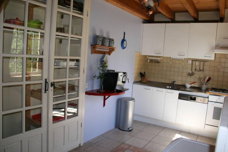 Location de vacances - Gîte à Lacam-d'Ourcet - La cuisine.