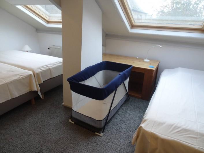 Location de vacances - Maison - Villa à Nieuwvliet - 2e chambre, 3 lits et lit pour bébé
