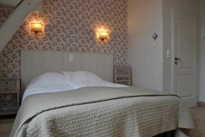 Location de vacances - Chambre d'hôtes à Montillot - chambre quartz rose