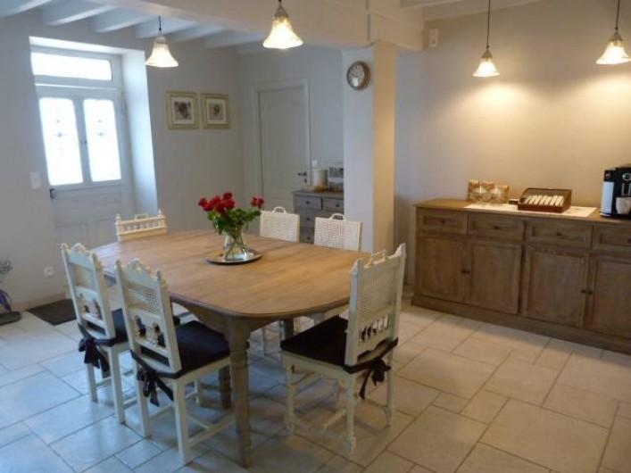 Location de vacances - Chambre d'hôtes à Montillot - salle à manger