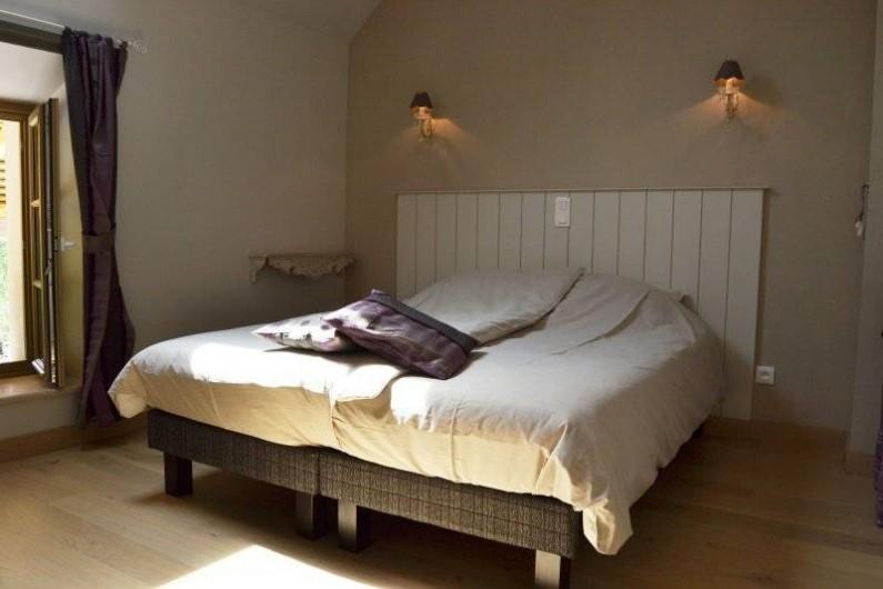 Location de vacances - Chambre d'hôtes à Montillot - chambre améthyste