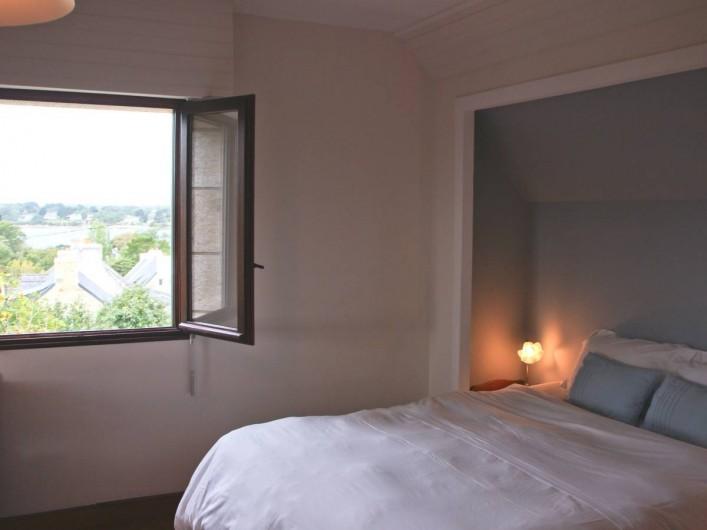Location de vacances - Chambre d'hôtes à Île-aux-Moines - IZENAH Lit double en 160